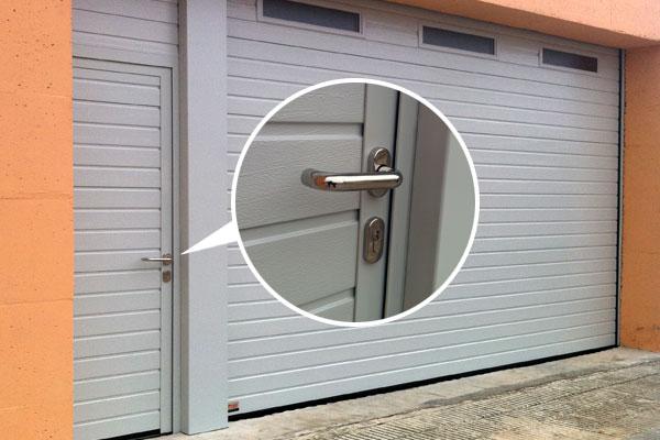 Puerta de garaje autom tica prat - Puertas de garaje automaticas precios ...