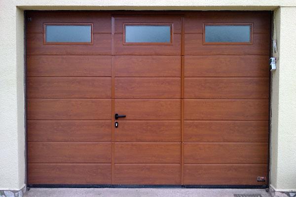Puerta seccional de garaje prat for Precio de puertas electricas