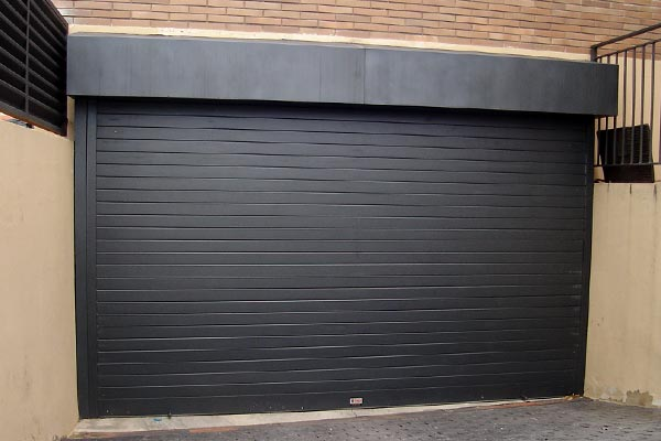 puerta enrollable de aluminio prat