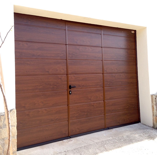 puerta seccional peatonal